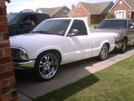lowhbody22s 1996 Chevy S-10 photo thumbnail