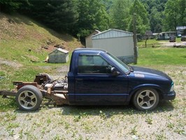CrossBreeds 1998 Chevy S-10 photo thumbnail