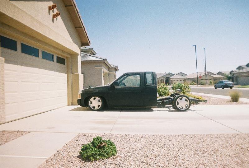 ntfknlowenufs 1990 Nissan Hard Body photo