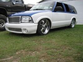 Pwizzle88s 2000 Chevrolet Blazer photo thumbnail