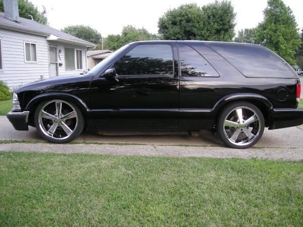 twiztidsilverados 2000 Chevrolet Blazer photo