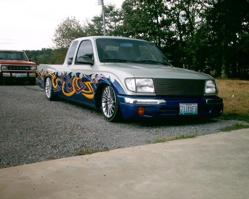 johnnydraggers 2000 Toyota Tacoma photo