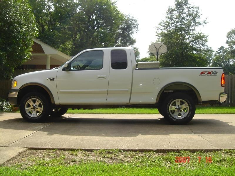 JOEWEEs 2002 Ford F150-Supercab photo