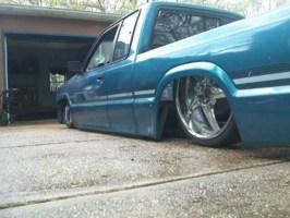 dropem631s 1993 Mazda B2200 photo thumbnail