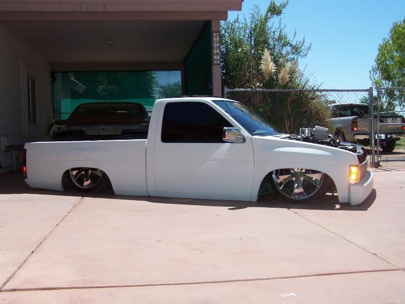 sebasss 1995 Nissan Hard Body photo
