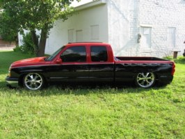 1SIC84s 2003 Chevrolet Silverado photo thumbnail
