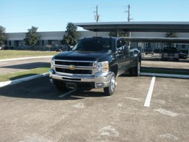 IMLOWERs 2008 Chevy Crew Cab Dually photo thumbnail