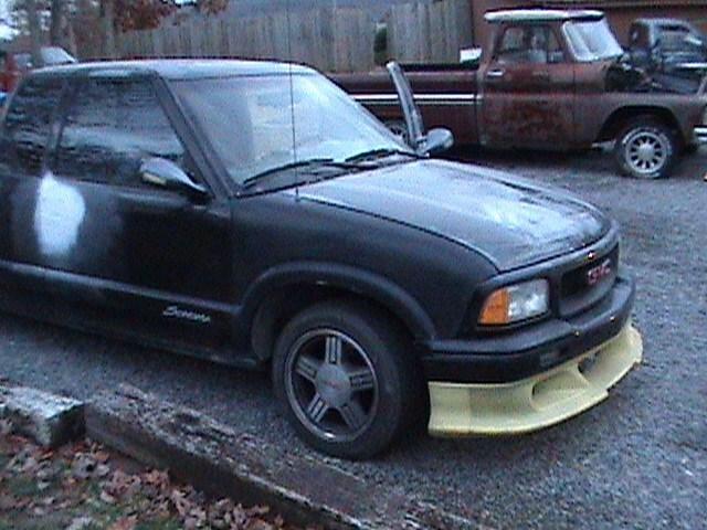 ninsevns 1997 GMC Sonoma photo