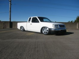 domers 2000 Nissan Frontier photo thumbnail