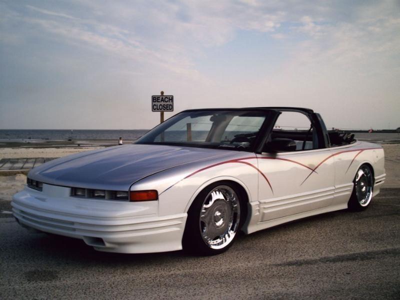 slamdits 1994 Oldsmobile Ctlss Supreme photo