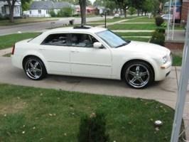 smitty1229s 2005 Chrysler 300C photo thumbnail