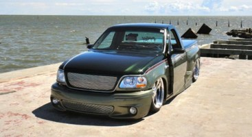 ONE_LO_SVTs 2000 Ford Lightning photo thumbnail