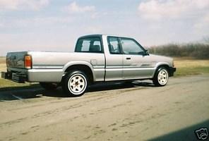 BigNastyKustomss 1993 Mazda B2200 photo thumbnail