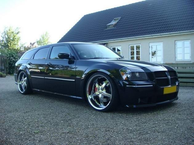 slammedon20ss 2006 Dodge Magnum photo