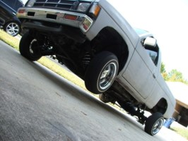 4uhaterss 1991 Nissan Hard Body photo thumbnail