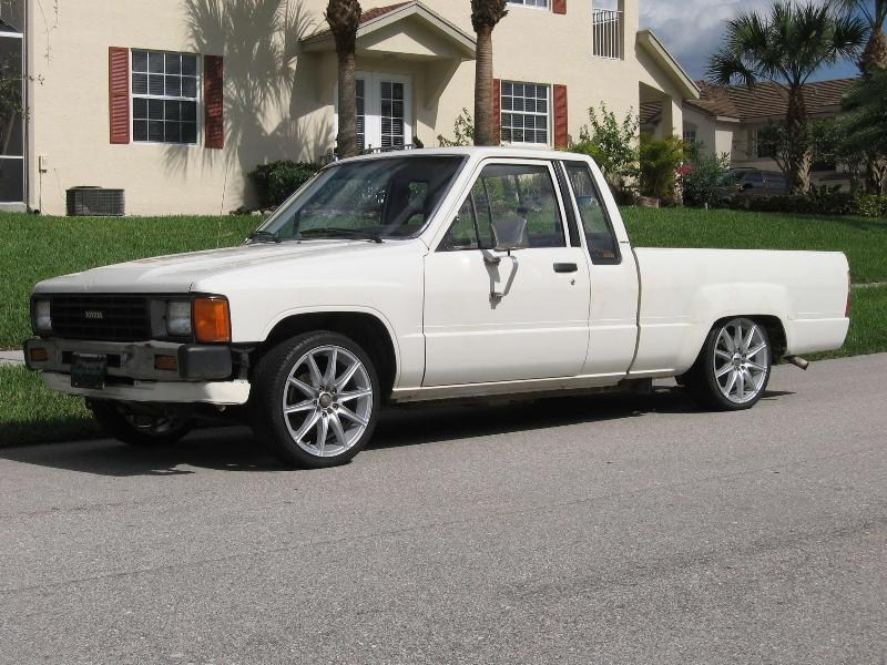slamdtacos 1984 Toyota 2wd Pickup photo
