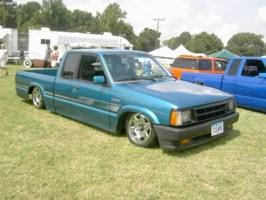 loasians 1992 Mazda B2200 photo thumbnail