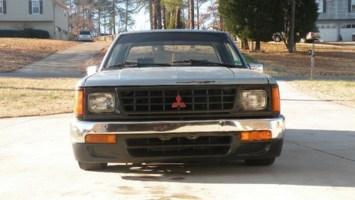 a969c1s 1988 Dodge D-50 photo thumbnail