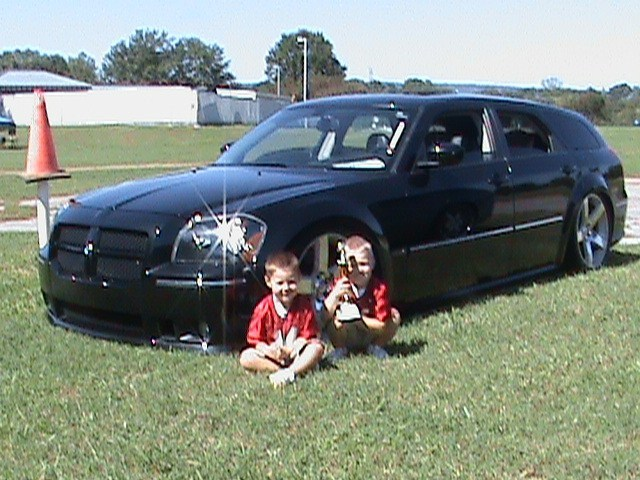 GNUTs 2006 Dodge Magnum photo