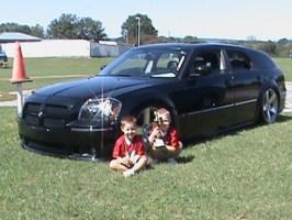 GNUTs 2006 Dodge Magnum photo thumbnail