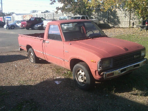 mazdaonfires 1983 Toyota 2wd Pickup photo