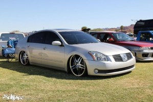 MAXIONJUICEs 2005 Nissan Maxima photo thumbnail