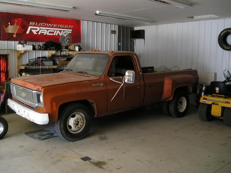 clunkers 1974 Chevy Dually photo