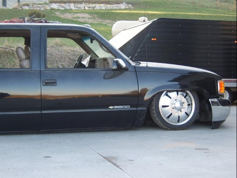 krewzlos 2000 Chevy Dually photo