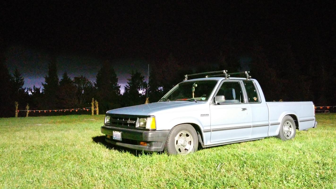 tsusees 1991 Mazda B Series Truck photo
